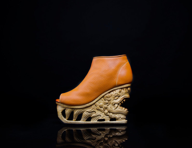 exquisite-hand-carved-wooden-platform-shoes-01